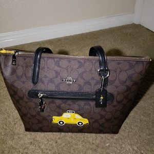 COACH NYC Stories Taxi Signature Taylor Tote